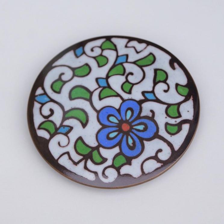 古代の彩り・泥七宝「花柄 ペーパーウェイト」丸型 白